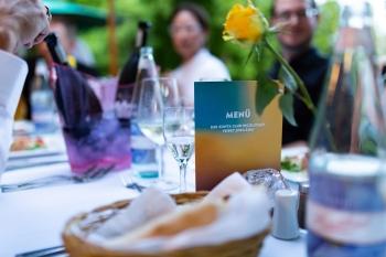 Festlich gedeckter Tisch ©2019 Zonta Club Ingolstadt
